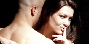 lucruri-pe-care-o-femeie-le-face-in-secret