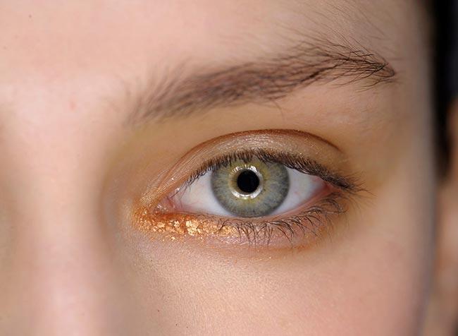 contur-de-ochi-auriu