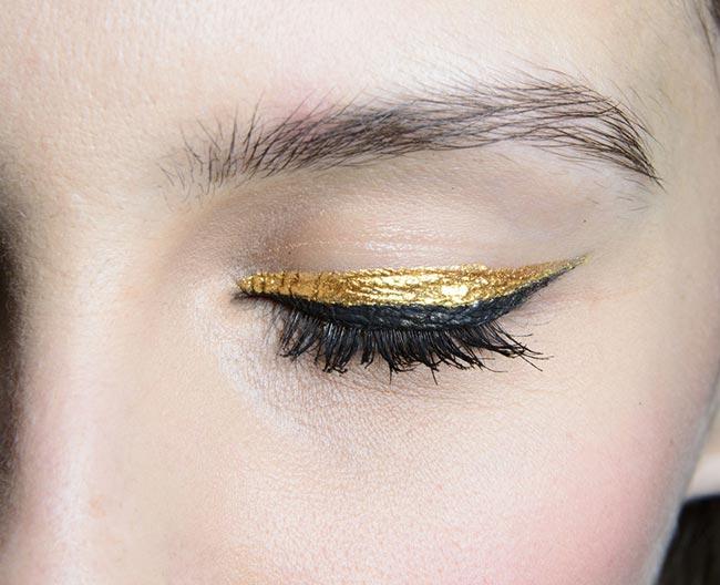 eyeliner-auriu