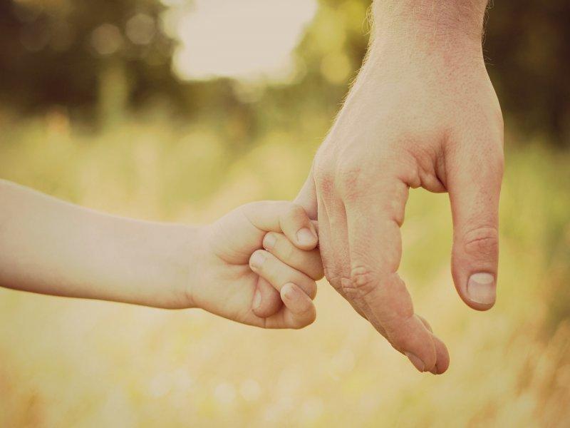 copil tata relatie