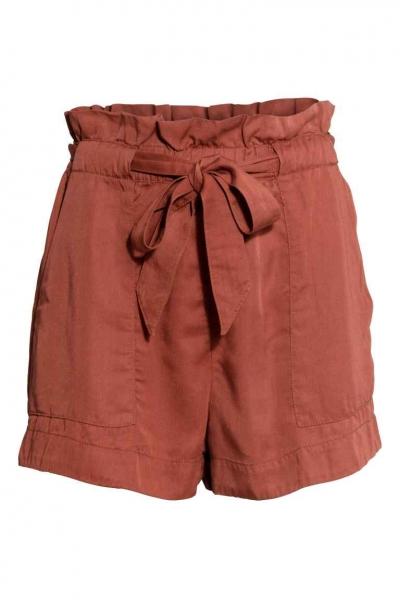 pantaloni scurţi de in