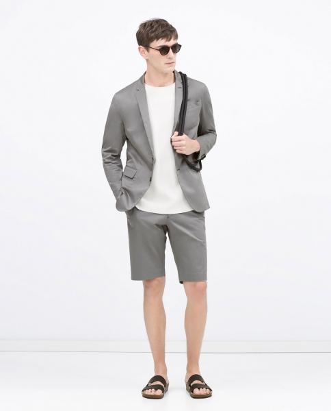 costum pantaloni scurti