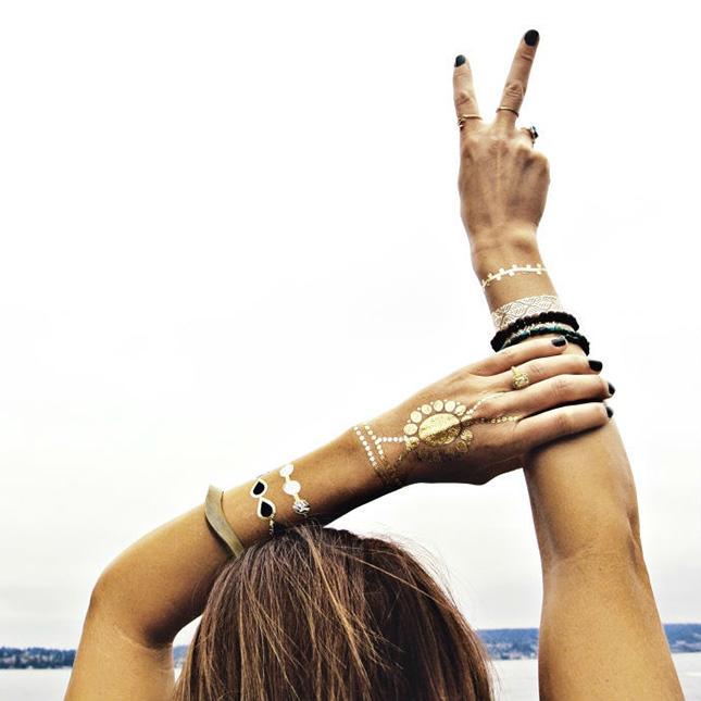 tatuaje-temporare-aurii